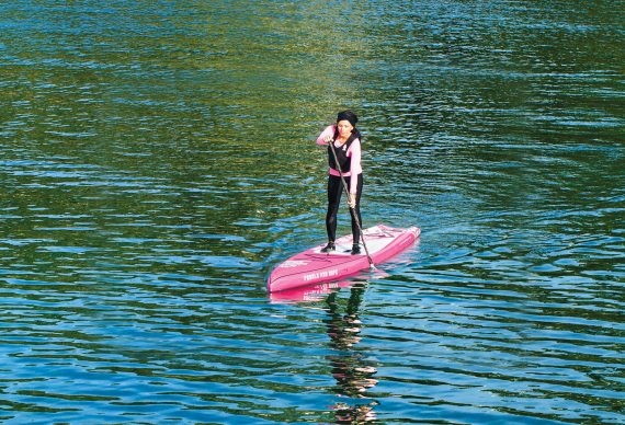 starboard_irklente_paddle_for_hope_plaukia